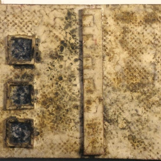 """senza titolo. 1960 ca. Ceramica smaltata. cm 50x70. Pubblicata su catalogo generale di Fausto Melotti """"L'opera in ceramica"""" BA 62"""